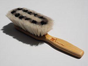 brush, comb, hair, cellulite