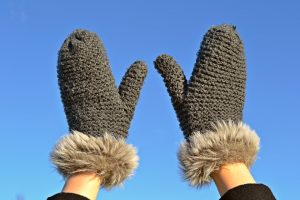 mittens, warm, fingernails, brittle fingernails