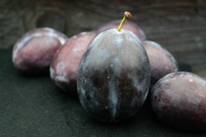black plum, plum, fruit, type 2 diabetes
